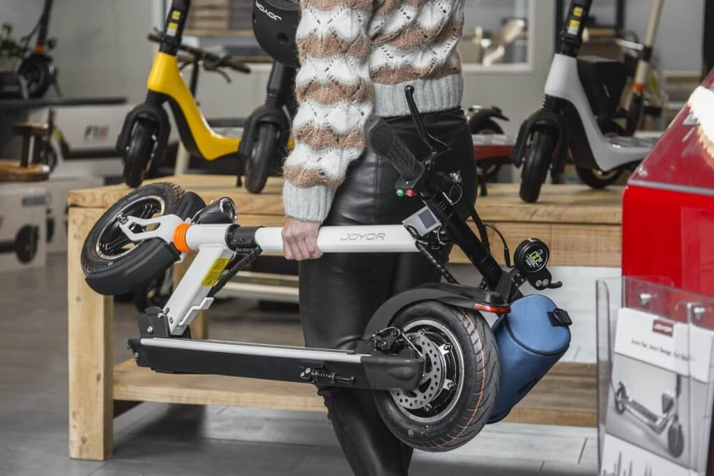 Electric Scooters: Buying or Renting?